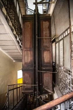 Der alte Aufzug im Neptun Wohnhaus