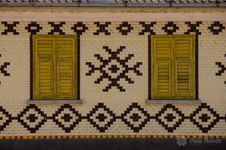 Faţadă de casă în Caraşova