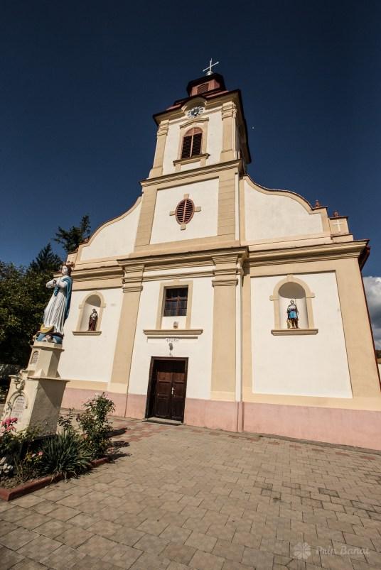 Biserica catolică din Caraşova
