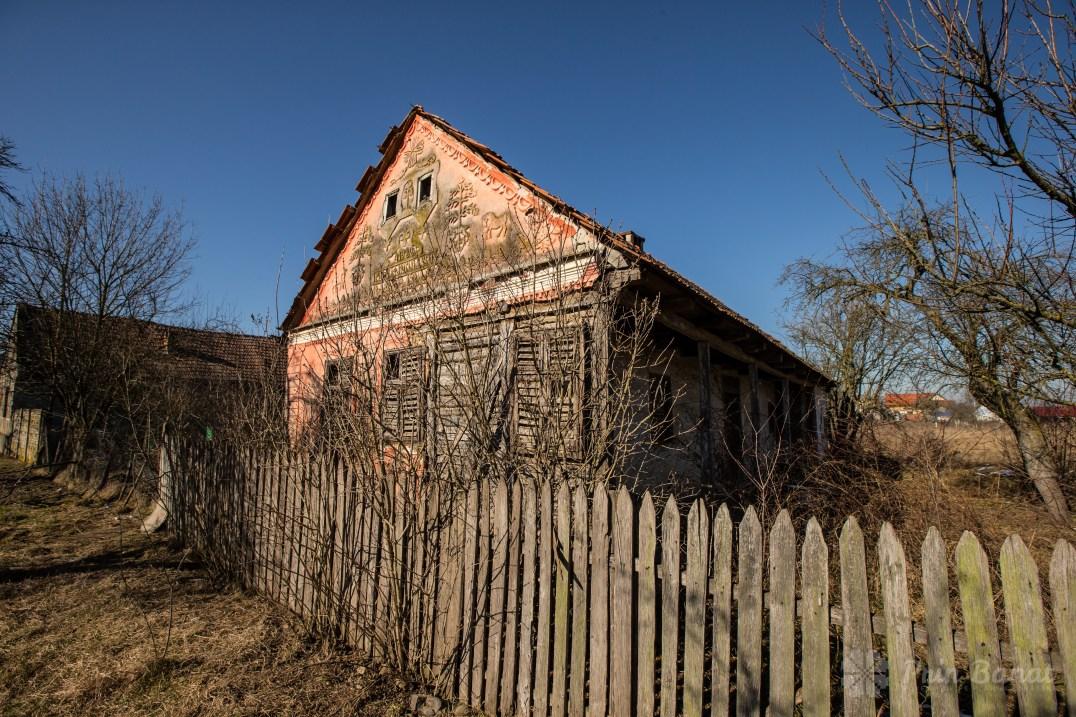 Abandoned/uninhabited house in Sârbova