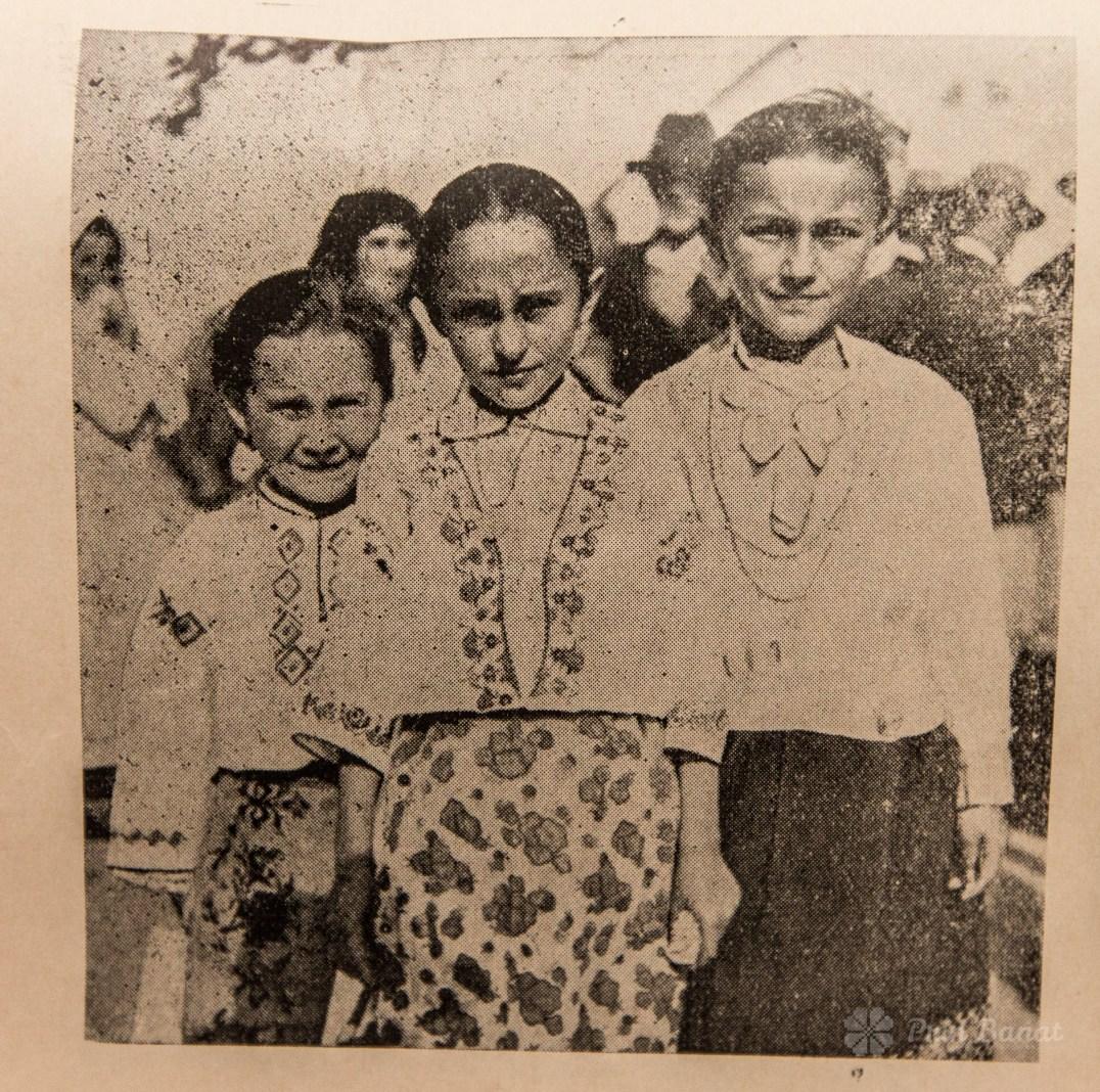Grup de fete din Sârbova în 1935