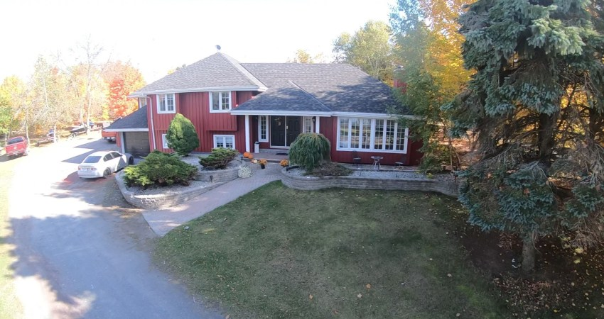 The Sandbanks Summer Laughlin Cottage in Prince Edward County