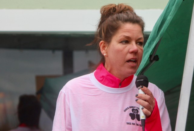 Elise Normile, Charlie's mom, speak before the races. [John-Henry Doucette/The Princess Anne Independent News]