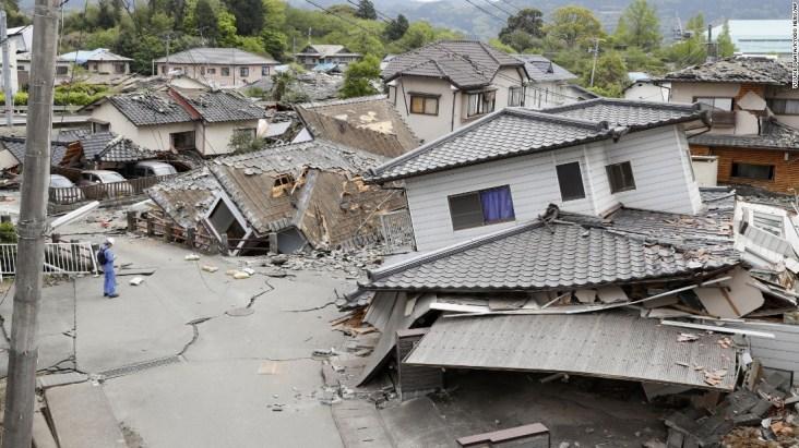 160416123808-04-japan-earth-quake-0416-super-169