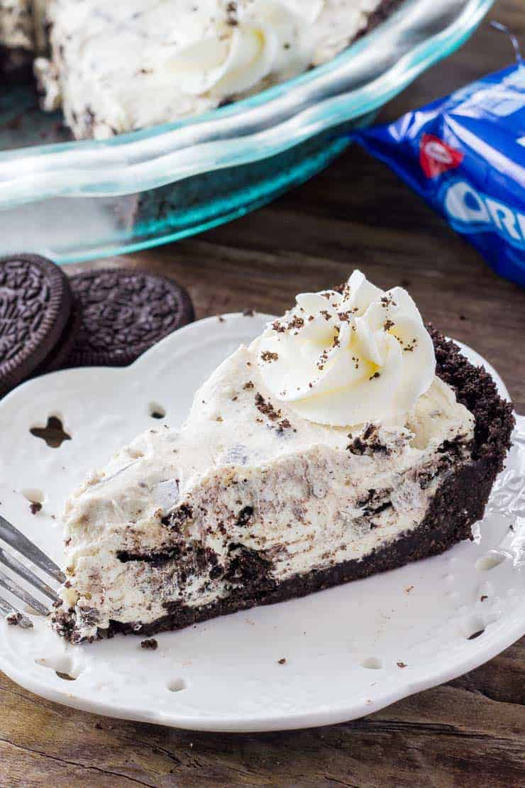 This Oreo Cream Pie is creamy, dreamy and filled with Oreos. Only 5 ingredients and so easy to make.
