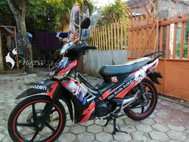 Grosir Sticker Motor Full Body Di Alun-Alun Contong
