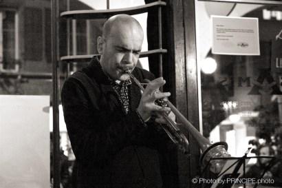 Sous Les Étoiles – Birthday Bash @ Les Amis Martin Dahanukar, trumpet Silvan Joray, guitar Valentin von Fischer, double-bass Philipp Moll, double-bass © 30.01.2017 Patrick Principe