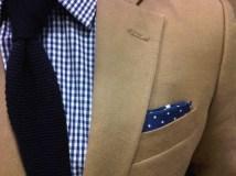 Solid tie + polka-dot pocket square