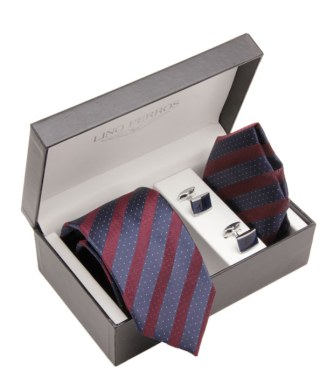 match pocket square annd tie in box