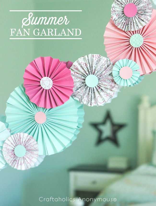 Summer Fan Garland tutorial on www.strawberrymommycakes.com #tutorial #summer