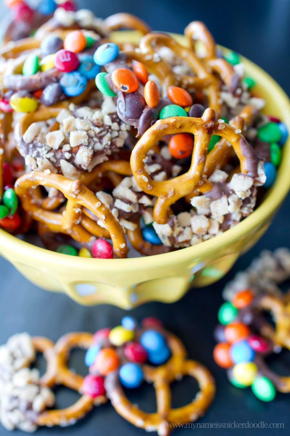 Chocolate and Candy Dipped Pretzels #FridayFinds