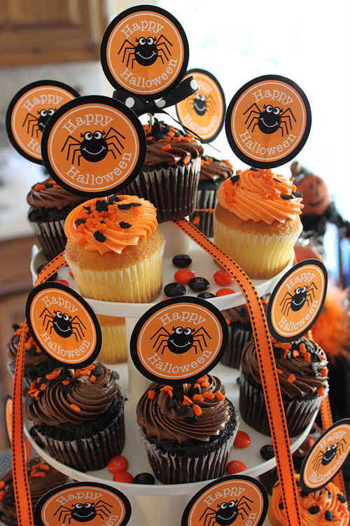 25 AMAZING Halloween Treats and Printables on strawberrymommycakes.com- great for parties!