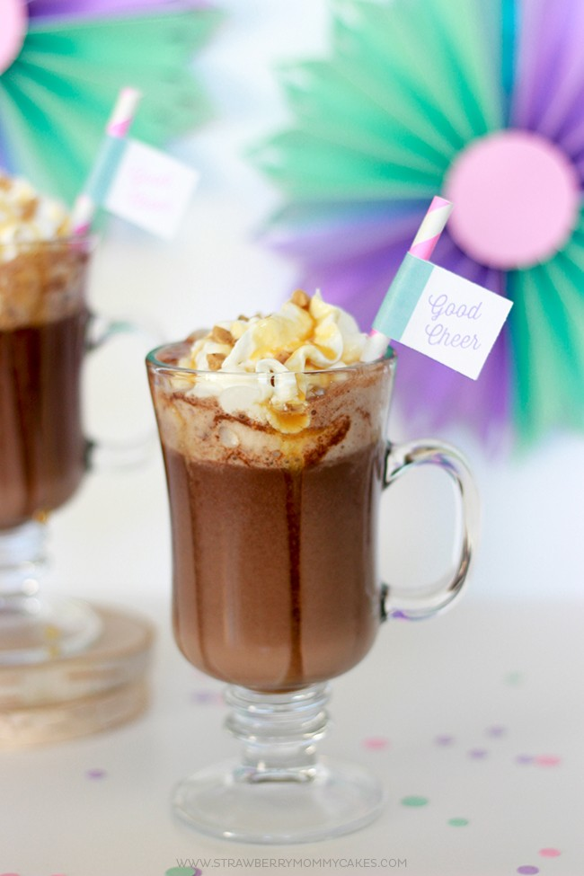 This Decadent 5 Ingredient Caramel Crunch Hot Chocolate is a great treat to indulge in this holiday season!