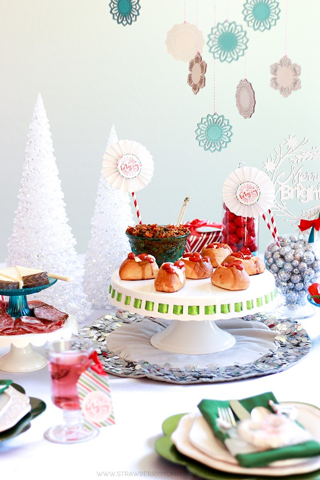 How to Prepare Your Home for a Holiday Party. Get my best tips for having a clean home for your guests!