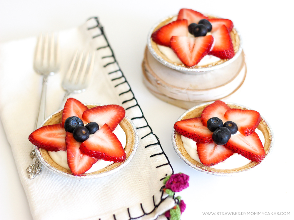 5 Minute Strawberry No-Bake Cheesecakes-11