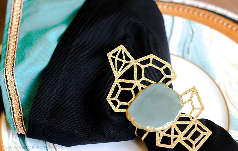 These gorgeous Agave Slice DIY Napkin Rings look like just like those expensive store bought ones...only MUCH cheaper!