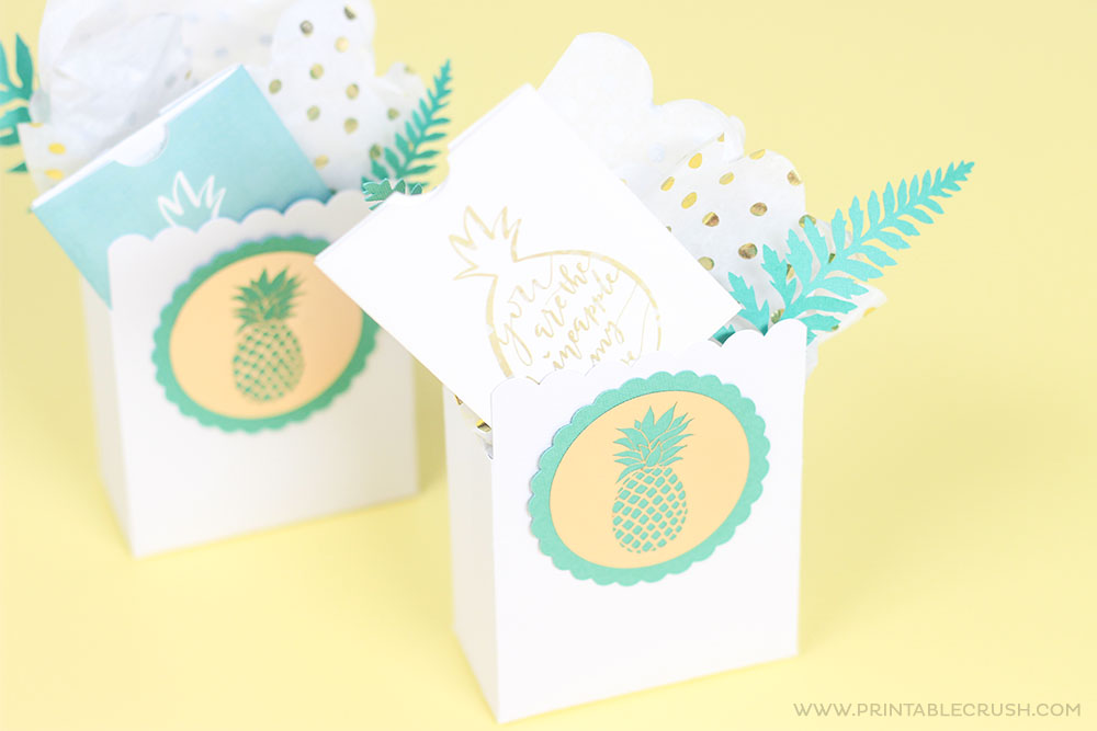 These are the cutest pineapple gift card holders! Download them for teacher appreciation week!