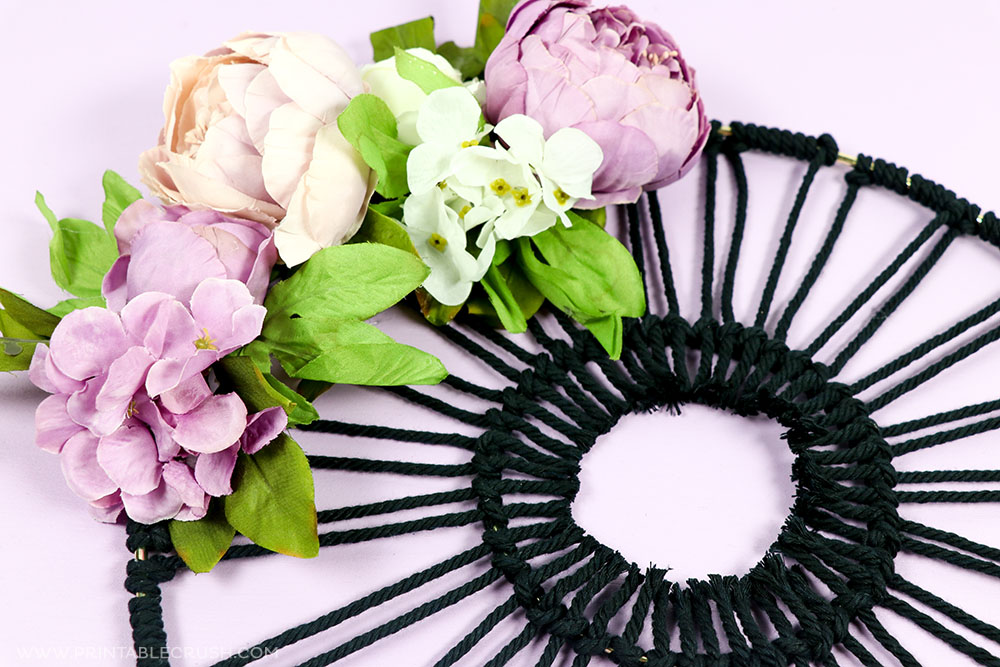 This Floral Macrame Hoop Wreath tutorial is so easy and you will love adding this to your modern home decor