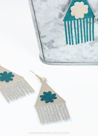 Do you always forget to wear green on St. Patricks Day? You won't want to forget to wear these lovely DIY Shamrock Earrings!
