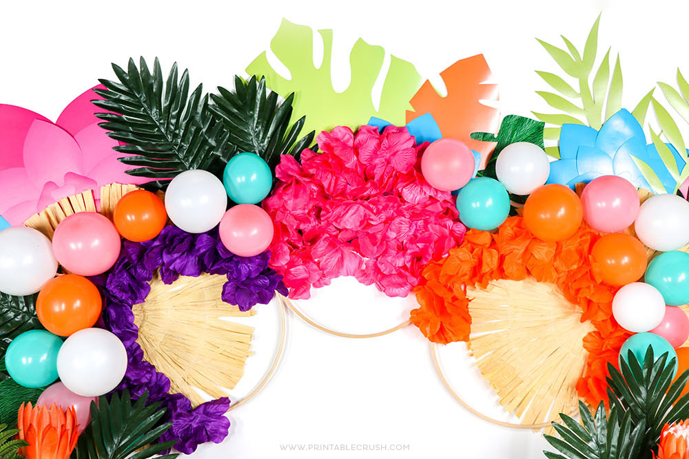 Easy Luau Party Backdrop
