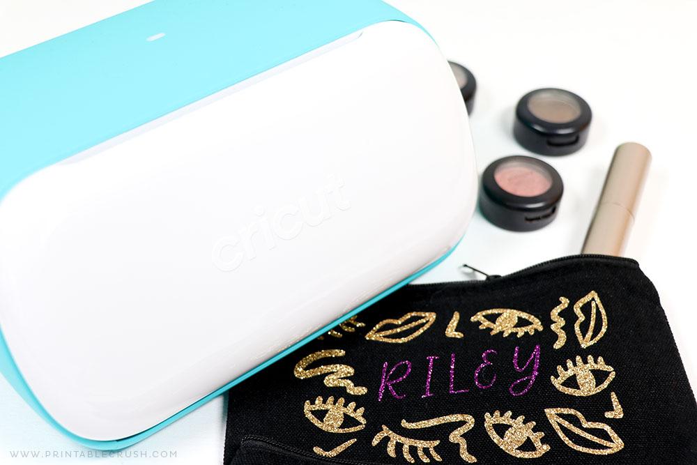 Cricut Makeup Bag Tutorial - Cricut DIY Gift - Makeup Gift Idea - Printable Crush