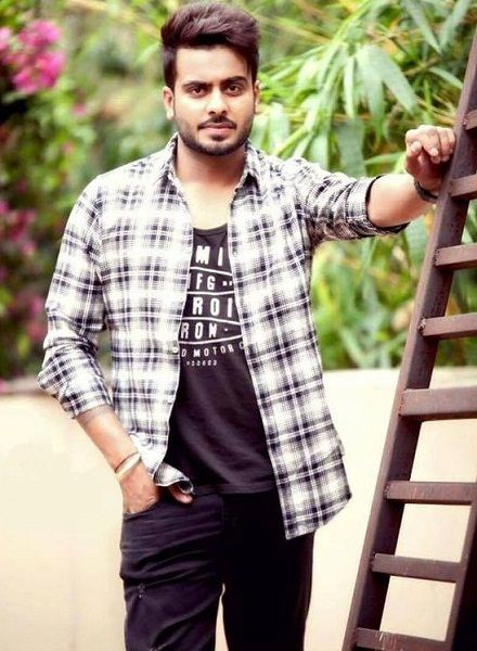 Download Punjabi Singer Mankirt Aulakh Photos 2017 2018