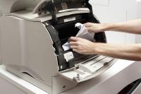 Достаем бумагу из принтера