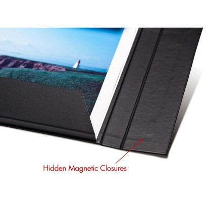 Magnet detail on folio folder