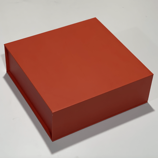 RIGID BOX with MAGNETIC FLAP