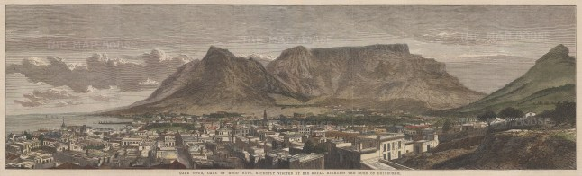 Cape Town: Panorama over the city with Signal Hill, Lion's Head, Table Mountain and Devil's Peak in the distance.