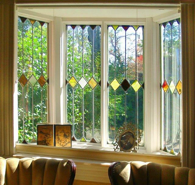 Фото №3: эркерное окно с витражом