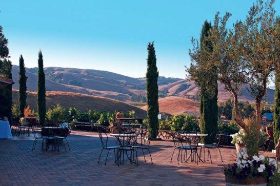 viansa-winery-marketplace-patio