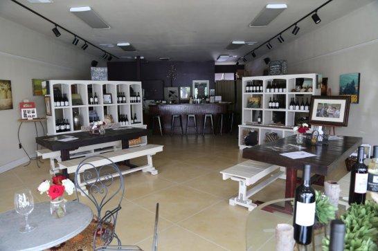 Gustavo-Wine-Tasting-Room