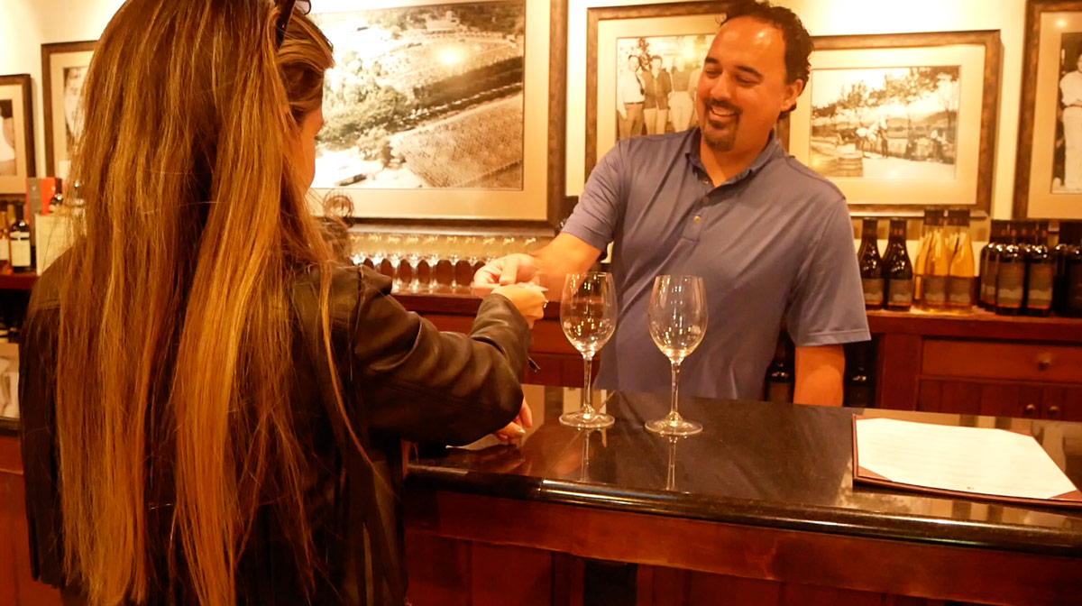 Do you tip when wine tasting in Napa Valley?