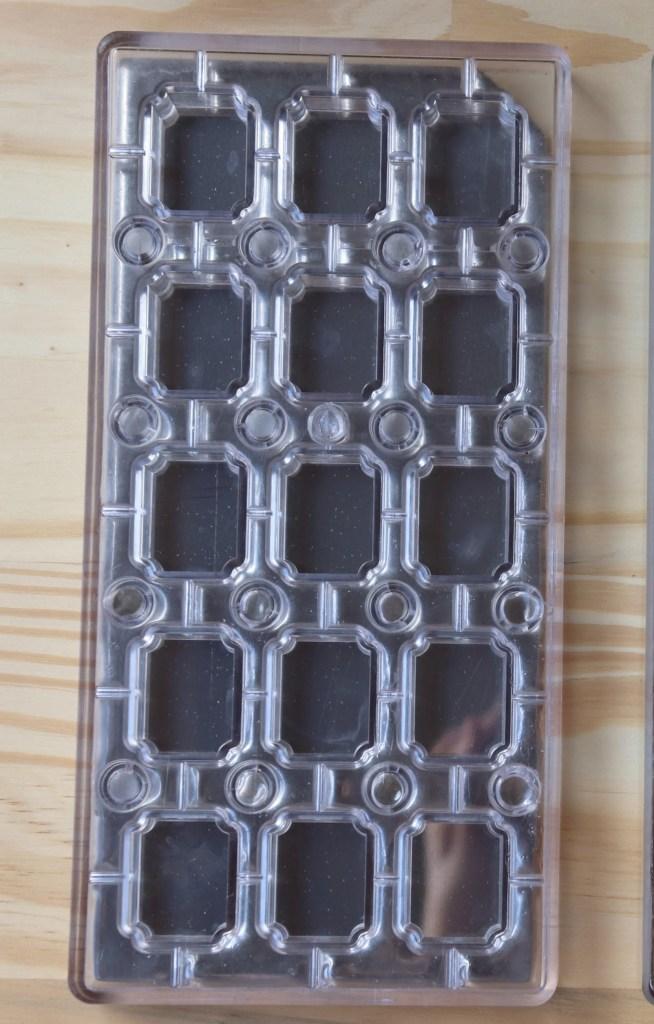 imagem forma para chocolate para transfer