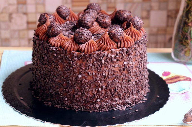 Bolo de Chocolate com Brigadeiro Belga