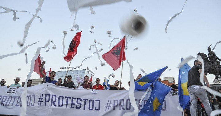 Citizens protest corruption in Prishtina, August 10. Photo by Atdhe Mulla.