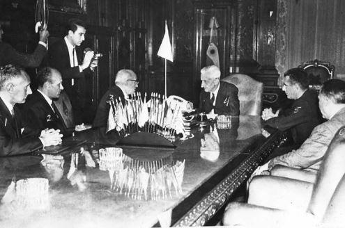 Agostino Rocca y colaboradores de Techint, reunidos con el presidente de la Nación, Dr. Arturo Umberto Illia (1966)
