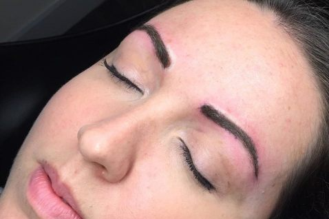 powder eyebrows