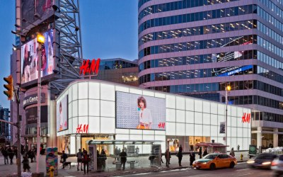 """Opaque finish acid-etched on low-iron glass by Vitro Architectural Glass lights up H&M flagship store in Toronto's """"Times Square North"""""""