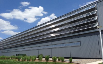 EXTECH's TECHVENT 5300 window systems offer natural ventilation and daylight to industrial buildings