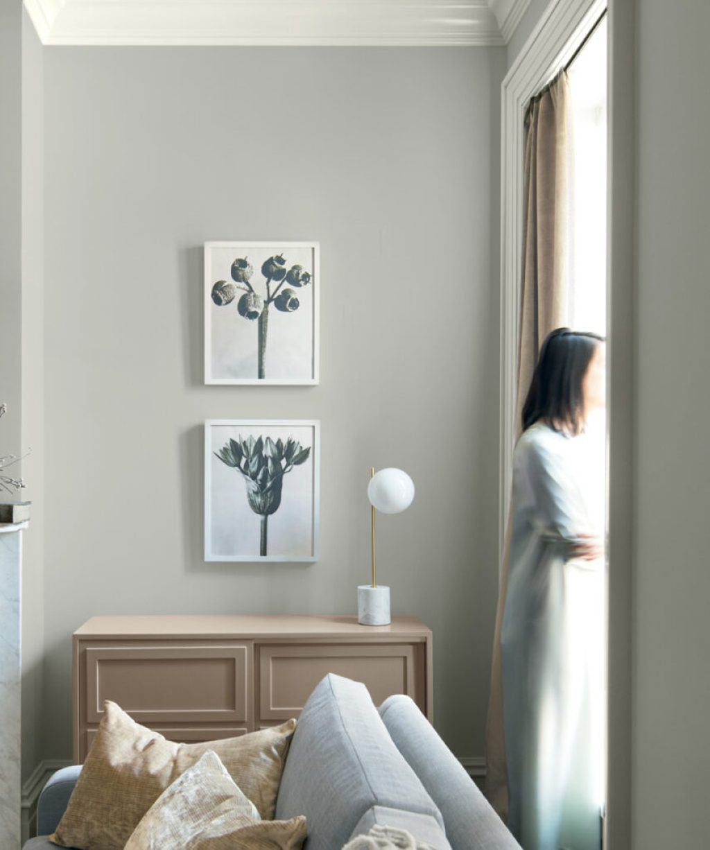 Calm, composed and effortlessly sophisticated, Benjamin Moore's Color of the Year 2019, Metropolitan AF-690, exudes glamour, beauty and balance.