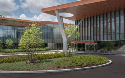 Biophilic design of Philadelphia's Asplundh Cancer Pavilion features Linetec's wood grain finish