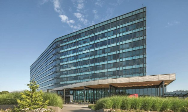 SOLARBAN R100/SOLARBLUE glass helps Daimler Trucks North American HQ achieve LEED Platinum certification