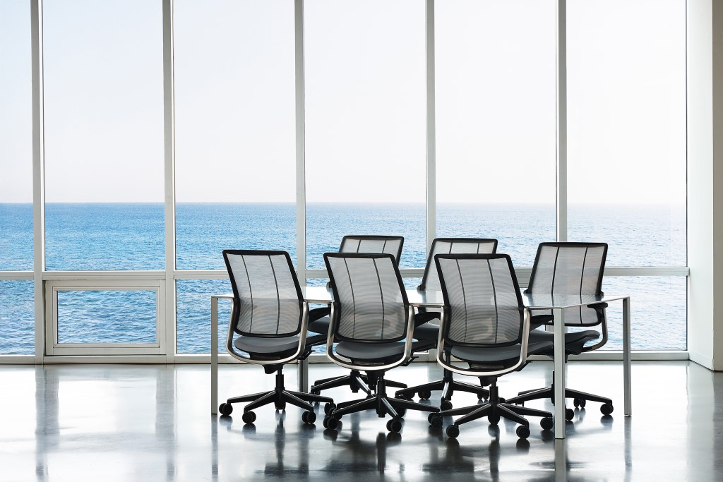 Smart Ocean is the first-ever task chair made with ocean plastic, almost 2 lbs. of recycled fishing net material. Designed by Humanscale, the Smart Ocean chair is an inventive adaption of the legendary Diffrient Smart chair. It's also the first tangible product to emerge from the partnership between Humanscale and Bureo, a startup developing innovative solutions to prevent ocean plastic pollution. Both organizations are co-founders of NextWave, a small task force committed to redirecting materials away from the ocean and into their supply chains. © Humanscale