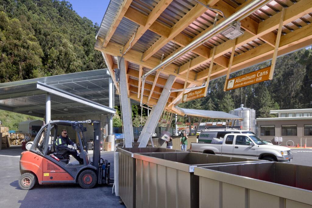 El Cerrito Recycling Center + Environmental Resource Center in El Cerrito, CA. Photo credit: David Wakely Photography