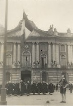 Chantiers de jeunesse. Photo 1941, Ceremonie de couleur, Toulouse, Capitole
