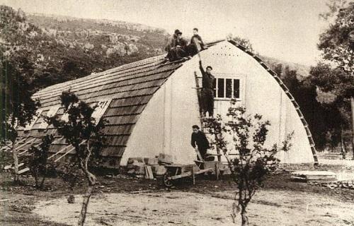 chantiers de jeunesse construction d'une maison