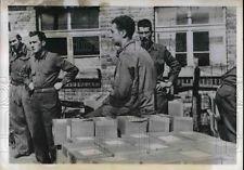 prisonniers de guerre réception des colis américains dans un stalag