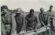 prisonniers français aident les allemands